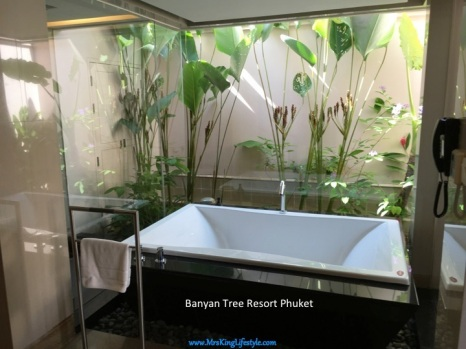 6 BanyanTree Phuket Villa Bath_new