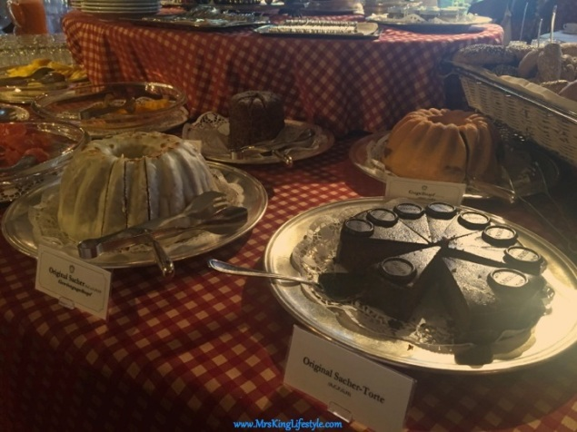 11 Hotel Sacher Breakfast_new