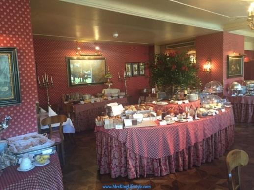 8 Hotel Sacher Breakfast _new