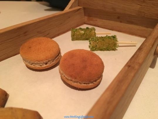 23-andre-kaya-toast_new