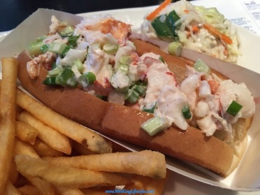Legal Seafood Lobster Roll_new
